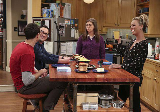 """""""The Dependence Transcendence"""" -- Pictured: Sheldon Cooper (Jim Parsons), Leonard Hofstadter (Johnny Galecki), Amy Farrah Fowler (Mayim Bialik) and Penny (Kaley Cuoco). Tensions rise when the boys struggle to complete their government project on time and Sheldon tries an energy drink to stay awake.  Also, Penny and Amy go to a """"party"""" at Bert (Brian Posehn) the geologist's house and Kooothrappali learns Bernadette's true feelings about her pregnancy when they clean out the future baby room, on THE BIG BANG THEORY, Monday, Oct. 3 (8:00-8:31 PM, ET/PT), on the CBS Television Network.  Dean Norris returns as Air Force Representative Colonel Williams. Photo: Michael Yarish/Warner Bros. Entertainment Inc. © 2016 WBEI. All rights reserved."""